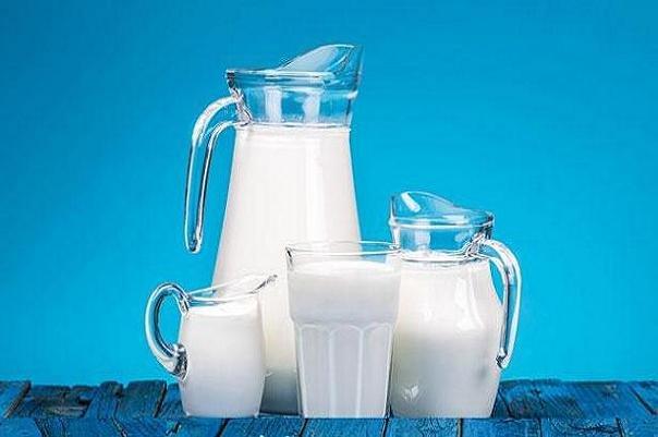 ایا ارتباط مصرف شیر و ریسک ابتلا به سرطان سینه در زنان هماهنگ است