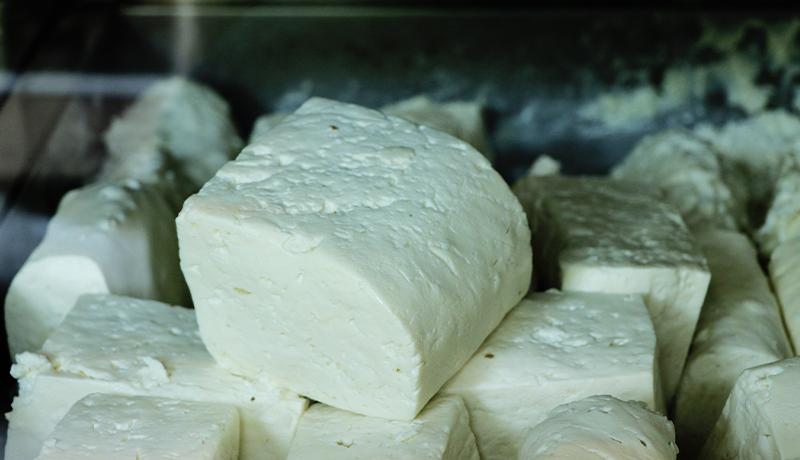 پنیر گران نشده است / کمبود پنیر نداریم / برای خرید پنیر به کارخانه مراجعه کنید