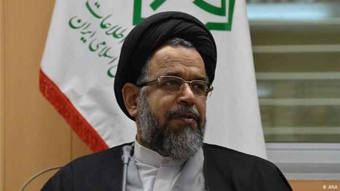 تذکر روحانی به وزیر اطلاعات در خصوص ساخت سلاح هستهای/ فتوای رهبری به قوت خود باقی است