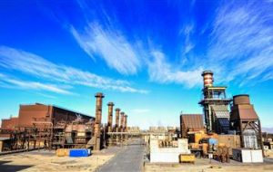معاون بهره برداری شرکت فولاد مبارکه در سمینار تخصصی «چالش برق در زنجیره فولاد» مطرح کرد: آمادگی فولاد مبارکه برای احداث نیروگاهی با ظرفیت حداقل ۱۵۰۰ مگاوات