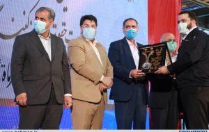 لوح و تندیس رعایت حقوق مصرفکنندگان استان قزوین به بهمن دیزل اعطا شد